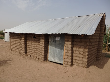 Kenya Building Temporary Houses For South Sudanese