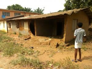 洪水で破壊された家屋