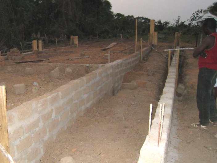 小学校校舎の建築現場