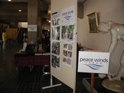 写真パネルで東ティモールのコーヒー農家支援について紹介