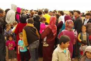 押し寄せる難民