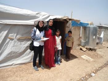 ドミズ難民キャンプでの聞き取り調査