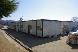 110418気仙沼中の校庭に建設する仮設受託