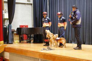 災害救助犬デモ