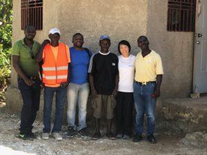 ハイチ 屋根設置の有志達