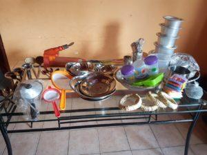 配布するキッチンセットや衛生キット