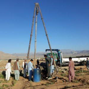 井戸掘削の様子
