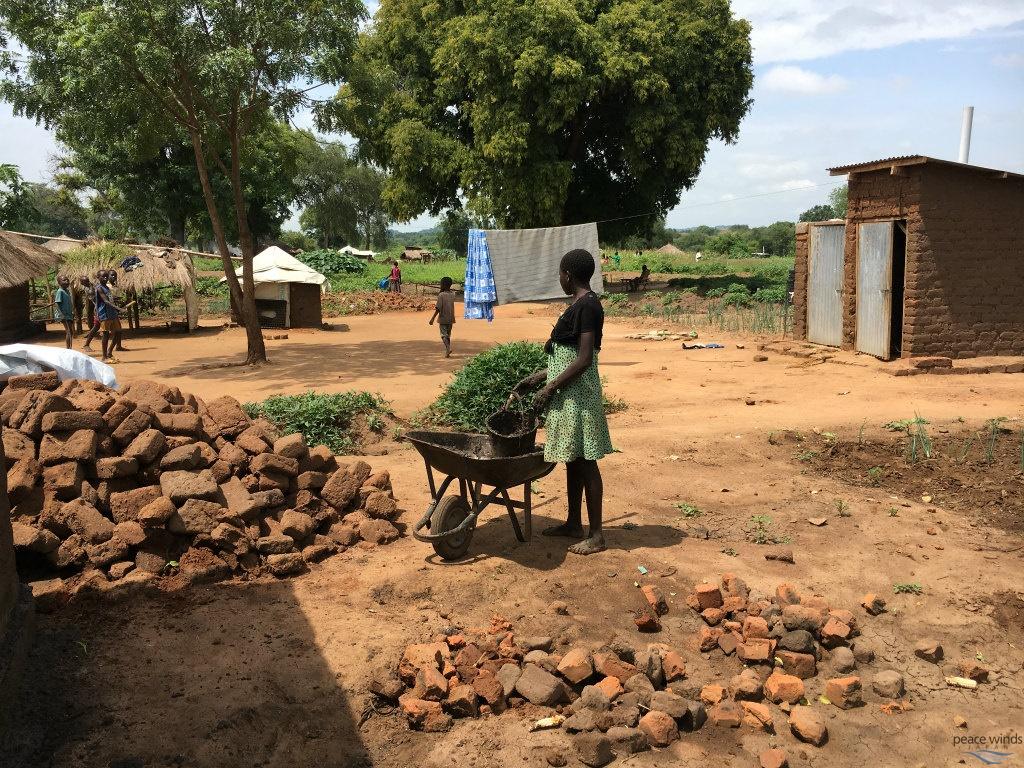 ウガンダ】難民居住地区での生活 | | 国際協力NGO ピースウィンズ ...